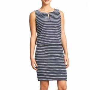 Athleta Navy Vida blouson dress size Medium